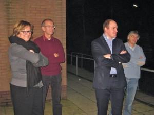 De leden van het Ombudsteam PvdA-GroenLinks-LokaalSociaal tijdens de presentatie voor de pers in de Willestee, Wilnis. Van links naar rechts Esther Grondijs, Bert Schaap, Christiaan de Groot, Wim Klaassen.